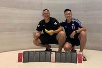 Nguoi Viet mua 6 chiec iPhone: 'Toi mang ve lam qua' hinh anh