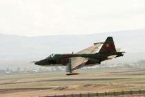 May bay Su-25 cua Armenia bi ban roi giua cang thang voi Azerbaijan hinh anh