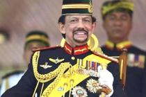 Quoc vuong giau co cua Brunei: Suu tam sieu xe, thich tu lai chuyen co hinh anh