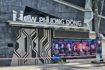 Nhan vien bar New Phuong Dong tu tap, mo nhac lon trong khu cach ly hinh anh
