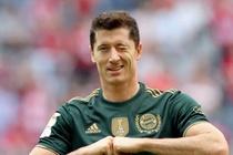 Lewandowski lap ky luc trong tran thang 7-0 cua Bayern hinh anh