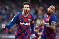 Messi ghi 4 ban dua Barca len ngoi dau La Liga hinh anh