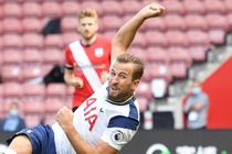 Southampton 0-0 Tottenham: VAR tu choi ban thang cua Harry Kane hinh anh