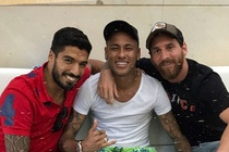Neymar chi trich Barca hinh anh