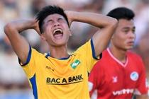 SLNA 0-0 HAGL: Phan Van Duc da hong penalty hinh anh