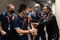 HLV Thai Lan chuc mung futsal Viet Nam vao vong 1/8 World Cup hinh anh