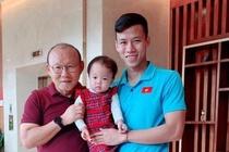 Fan ghen ty vi con gai Hai Que duoc check-in cung bo Park, Cong Phuong hinh anh