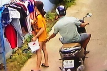 Phat 200.000 dong nguoi so vung kin co gai phoi do hinh anh