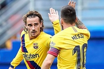Messi, Griezmann ghi ban dua Barca chiem ngoi dau cua Real hinh anh