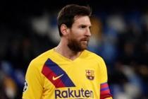 Barca thoat thua truoc Napoli trong ngay Messi im tieng hinh anh