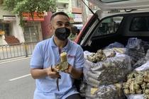 Quyen Linh: 'Toi voi giup khi biet co nguoi o khu cach ly no tien tro' hinh anh