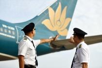 Co nguy co pha san, vi sao co phieu Vietnam Airlines van tang gia? hinh anh