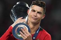 'Lay Ronaldo so sanh Joao Felix la thieu cong bang' hinh anh