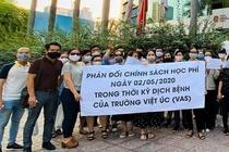 Bat dong ve hoc phi, truong Viet Uc tu choi day 40 hoc sinh hinh anh