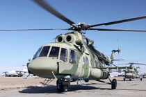 May bay quan su Mi-8 ha canh khan o Nga, 4 nguoi thiet mang hinh anh