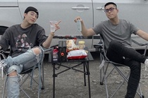 Gia dinh Ly Hai ve mien Tay, Son Tung o ben em trai dip can Tet hinh anh