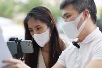 Thuy Tien - Cong Vinh livestream cong bo 18.000 trang sao ke hinh anh