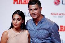Ronaldo chi hon 100.000 USD moi thang cho ban gai tieu vat hinh anh