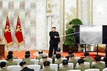 Ong Kim Jong Un thang ham cho tuong linh hat nhan hinh anh