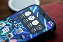 Nhieu dai ly o Viet Nam ngung nhan dat coc iPhone 13, hoan tien khach hinh anh