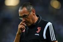 Bi loai khoi Champions League, Juventus sa thai HLV Sarri hinh anh