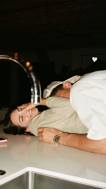 Kendall Jenner ky niem ngay yeu anh 3