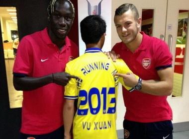 Sao Arsenal thich thu gap lai Running Man hinh anh