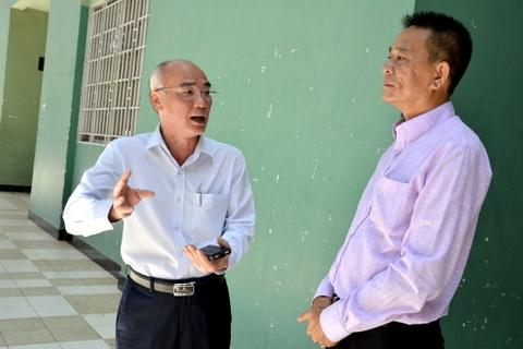 Phat bieu cua giam doc So VH-TT& DL TP. HCM ve su co sup tran nha thi dau Phan Dinh Phung. hinh anh