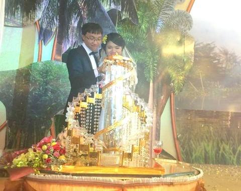 Cap doi lang co Truong Son - Thao Nguyen nen duyen vo chong hinh anh