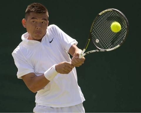 Ly Hoang Nam vao ban ket doi nam Wimbledon tre hinh anh