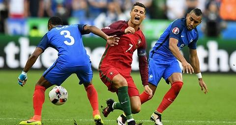 Dimitri Payet: 'Toi khong co y lam ton thuong Ronaldo' hinh anh