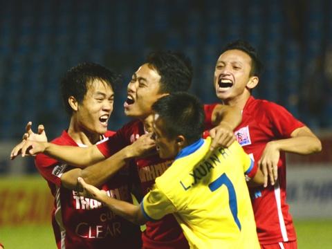 Khanh Hoa danh bai HAGL o ban ket giai U21 quoc gia hinh anh