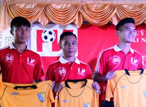 Tru cot U19 Viet Nam dau quan cho Ha Noi T&T, SHB Da Nang hinh anh