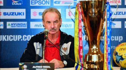 HLV Riedl de ngo tuong lai sau AFF Cup hinh anh