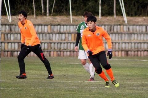 Video Xuan Truong ho tro ghi ban giup Gangwon thang 5-0 hinh anh