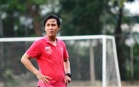 HLV Minh Phuong no luc giai quyet 'song ngam' tai CLB Long An hinh anh