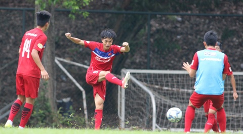 Cong Phuong, Tuan Anh cuoi tuoi cho gap Philippines hinh anh 5
