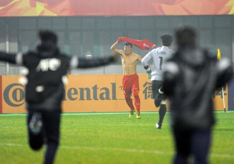 U23 Iraq bat khoc, lang nhin U23 Viet Nam an mung chien thang hinh anh 5