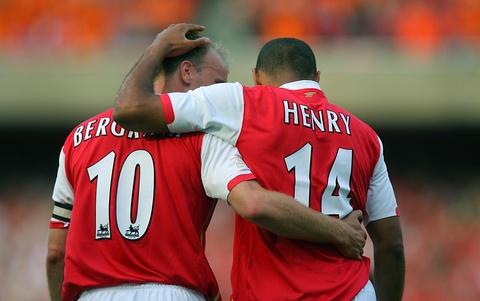 Thierry Henry va nhung buoc chay dang nho cua 'Dua con than gio' hinh anh 4