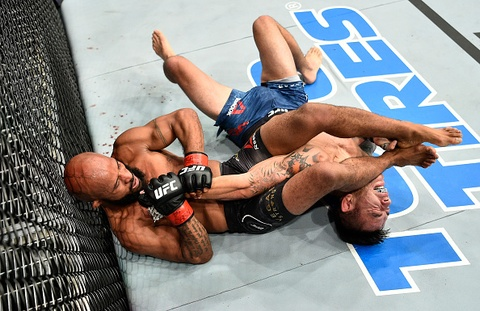 UFC 216: 'Chu chuot' Johnson lap ky luc dang ne hinh anh