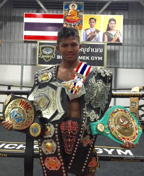 'Thanh Muay Thai' Buakaw: Mot nha su, mot cu nhan va mot huyen thoai hinh anh 6
