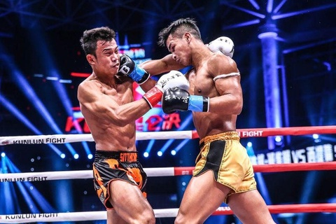 Superbon va quyet dinh dua vo si vo danh thanh kickboxer so 2 the gioi hinh anh 3