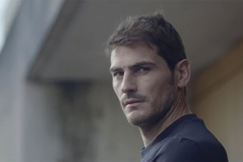 Samsung chon Casillas cho chien dich quang cao 'Galaxy 11' hinh anh