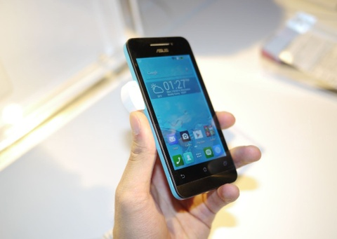 Smartphone gia re se canh tranh nghet tho nam 2014 hinh anh