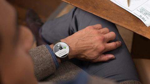 Clip gioi thieu smartwatch Moto 360 hinh anh