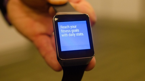 'Van de cua smartwatch Android la no lam qua nhieu viec' hinh anh