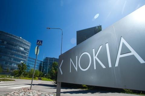 Nokia hen ngay tro lai voi Android hinh anh