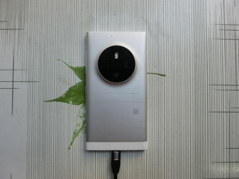 Di dong ke nhiem Lumia 1020 co the dung may anh 50 megapixel hinh anh