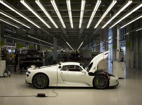 Sieu xe Porsche 918 Spyder duoc san xuat nhu the nao? hinh anh