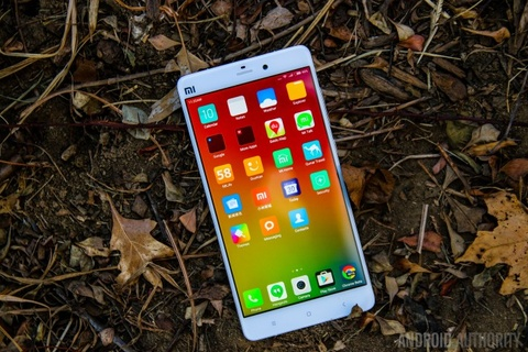 5 smartphone Android dang cho doi nhat nua cuoi 2015 hinh anh